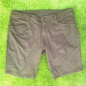 Lululemon Athletica Men's Black Shorts Size 36